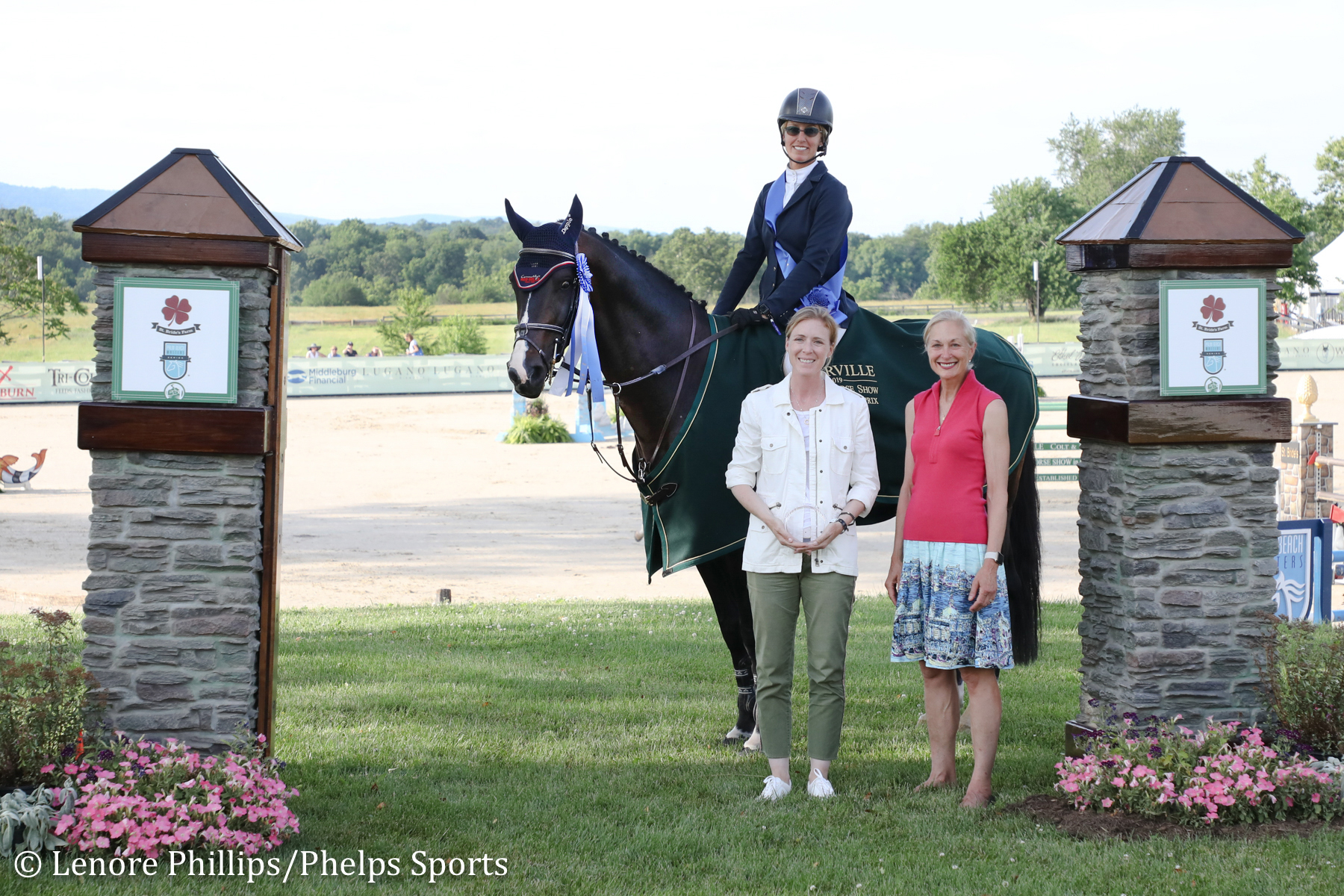 Schuyler Riley and Iceman de Muze with Kathy Russell of the Palm Beach Masters and Barbara Roux, President of Upperville Colt & Horse Show.